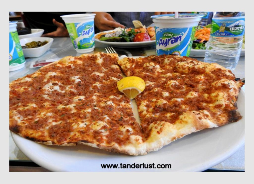 Lahmajoun, Turkish food, Turkey
