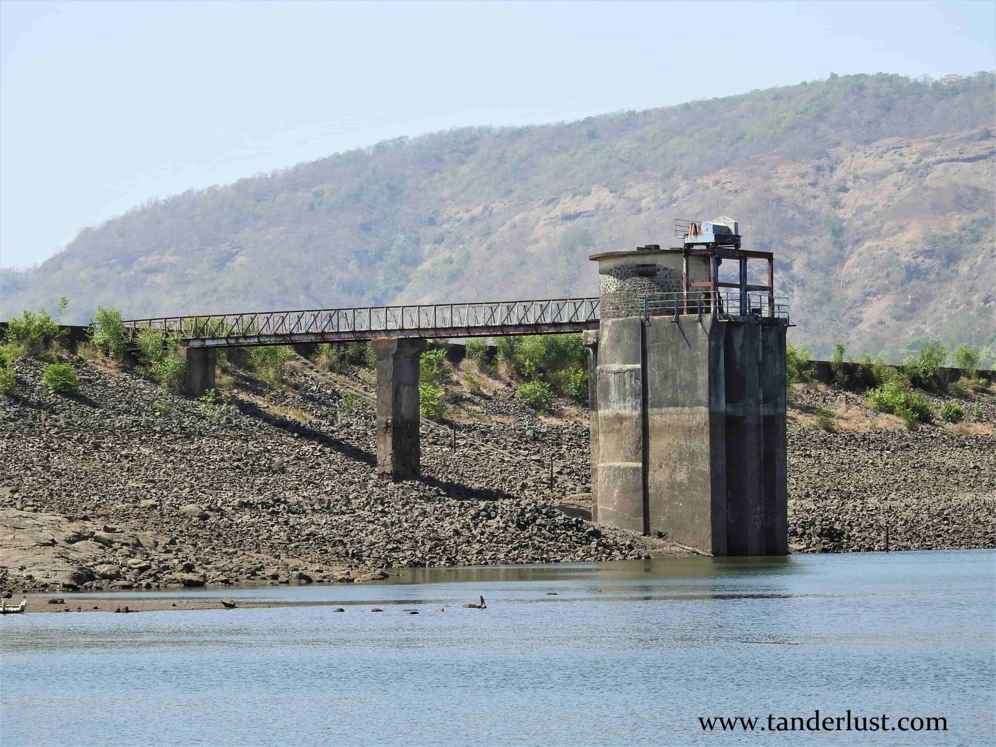 Vandri Lake: Road-tripping to this offbeat place near Mumbai!